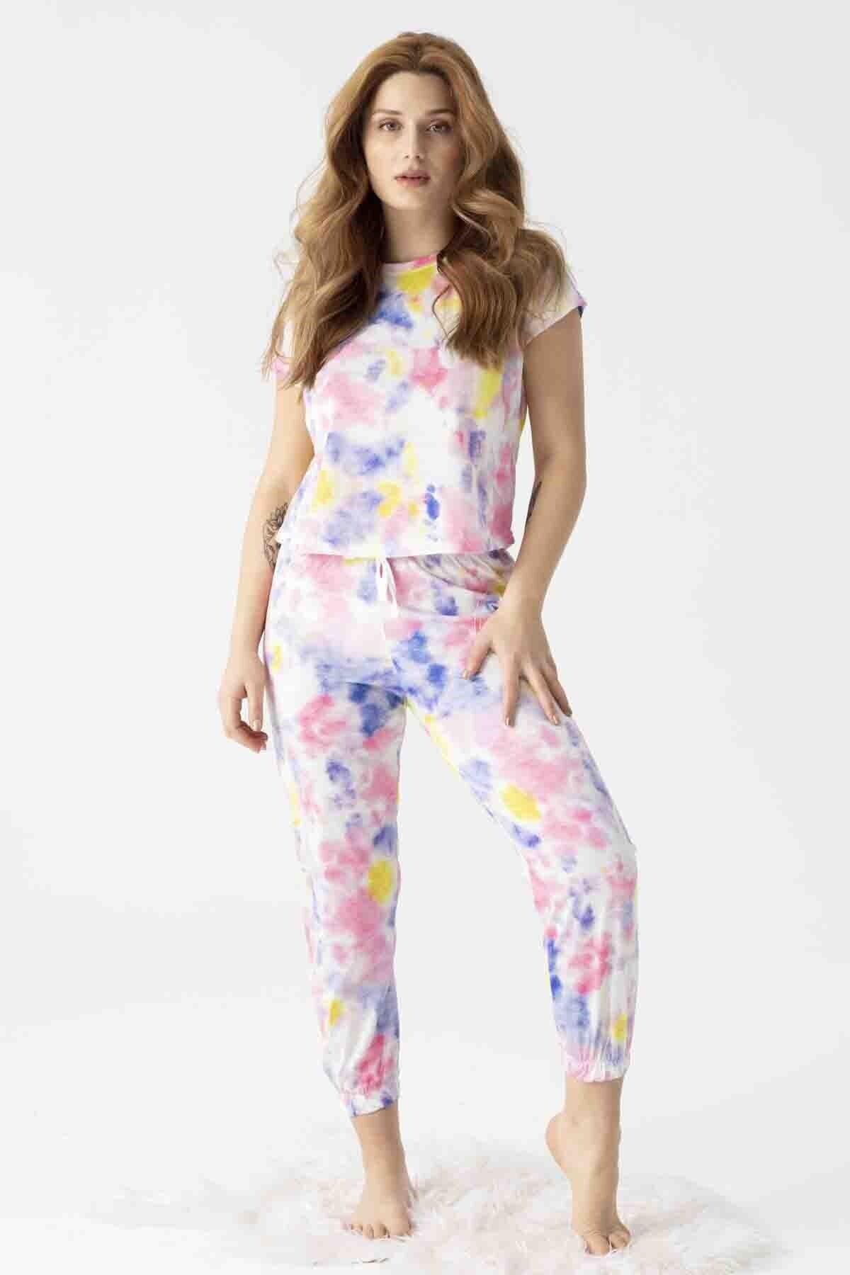 Kadın 30103-1 Batik Desenli Cepli Manşetli Kısa Kol Pijama Takımı Renkli