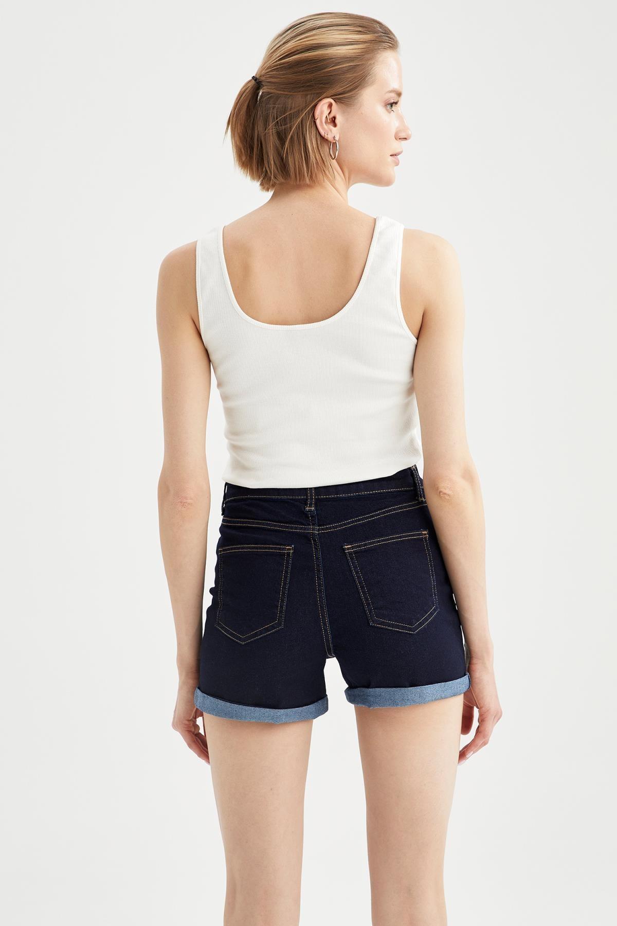 Defacto Kadın Askılı Basic Slim Fit Atlet R9547AZ21SP 3