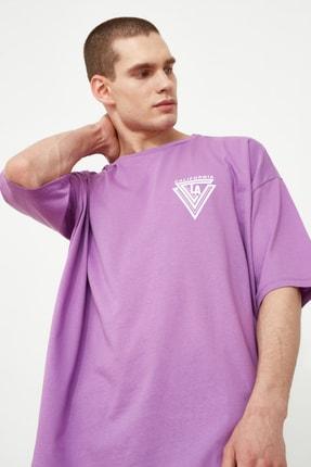 TRENDYOL MAN Mor Erkek Baskılı Oversize Kısa Kollu T-Shirt TMNSS20TS1102 2