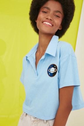 TRENDYOLMİLLA Mavi Crop Nakışlı Örme T-Shirt TWOSS21TS0727 3