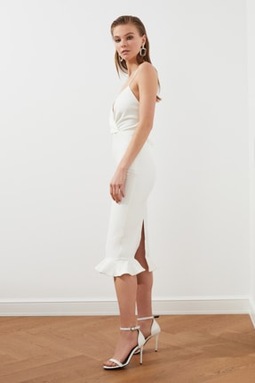 TRENDYOLMİLLA Ekru Sırt Detaylı Elbise TPRSS19BB0043 1