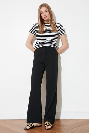 TRENDYOLMİLLA Siyah Dökümlü Geniş Paçalı  Pantolon TWOAW21PL0332 0