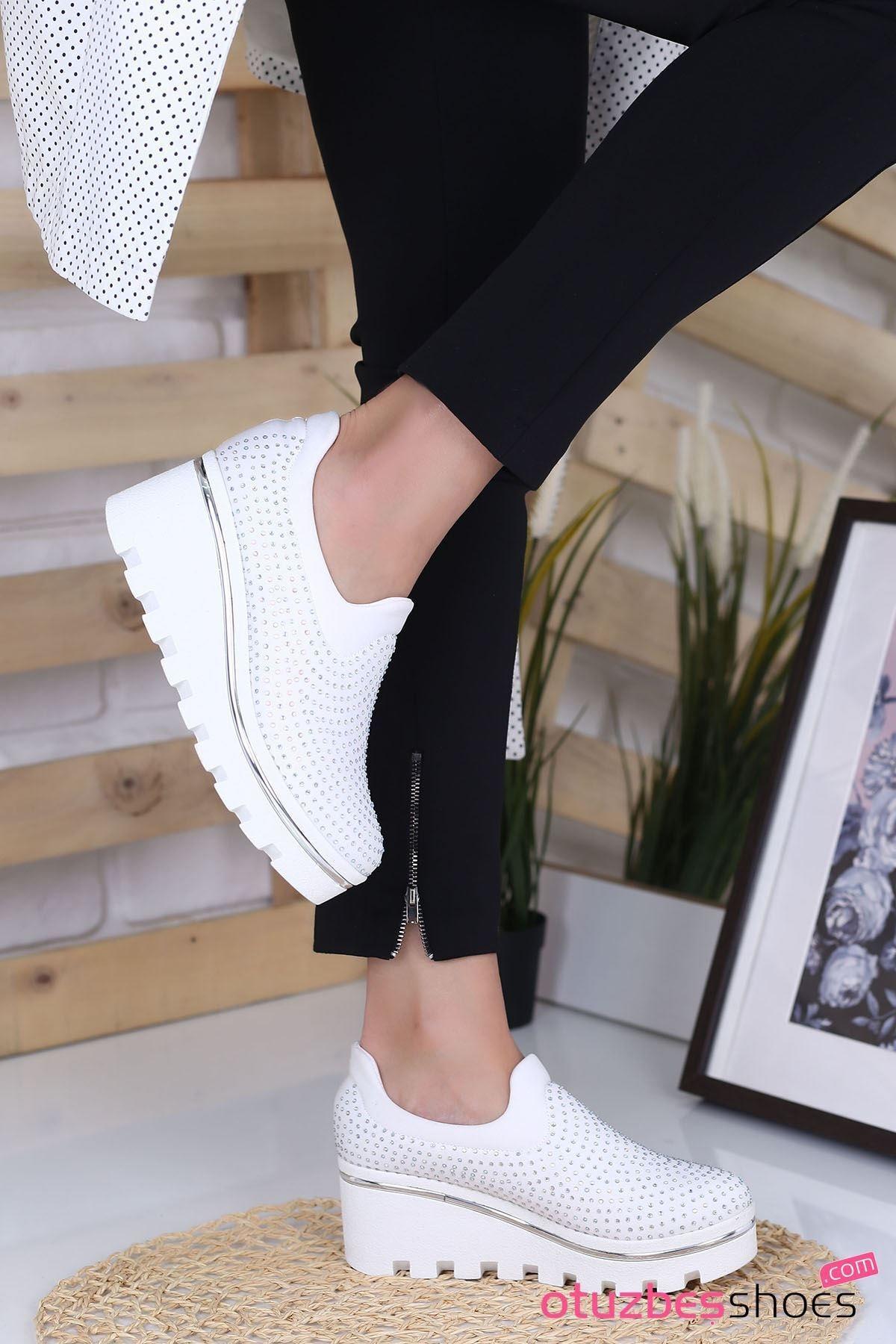 Beyaz Bratz Taş Detay Dolgu Topuk Ayakkabı