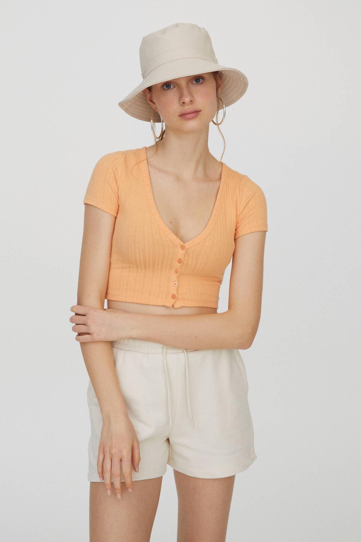 Pull & Bear Kadın Orta Turuncu Önü Dekoratif Düğmeli Fitilli T-Shirt 04240371 0