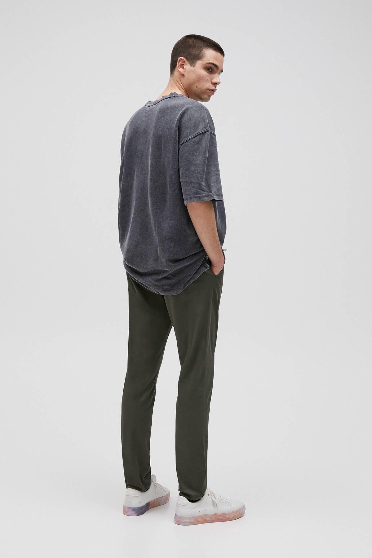 Pull & Bear Erkek Siyah Penye Stwd İşlemeli T-Shirt 04591520 2