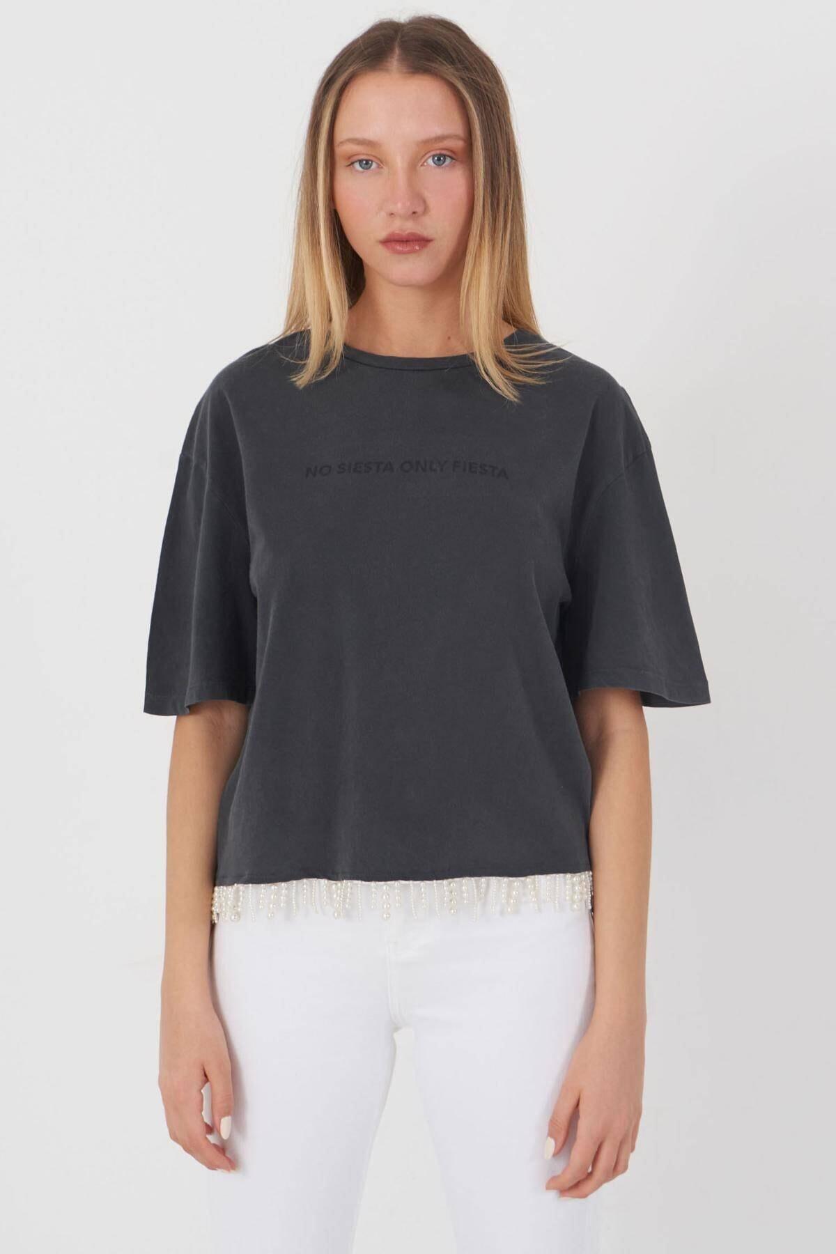 Addax Kadın Füme Boncuk Detaylı Tişört P12236 - T10 Adx-0000023903 0