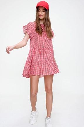 Trend Alaçatı Stili Kadın Kırmızı Pötikare Desenli Volanlı Dokuma Elbise ALC-X6008 3