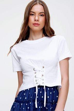 Trend Alaçatı Stili Kadın Beyaz Bisiklet Yaka Bağcıklı Crop T-Shirt ALC-X5976 0