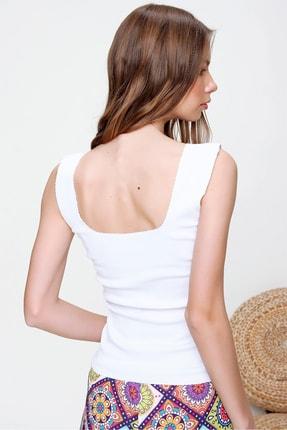 Trend Alaçatı Stili Kadın Beyaz Kare Yaka Kaşkorse Bluz ALC-X6017 4