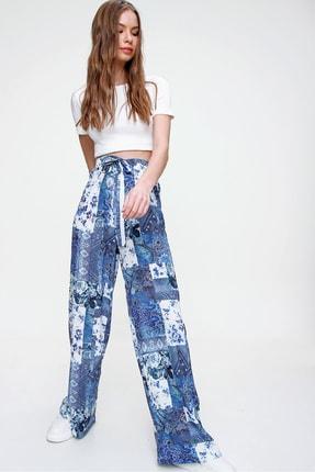 Trend Alaçatı Stili Kadın Mavi Desenli Rahat Kesim Pantolon ALC-X6016 2
