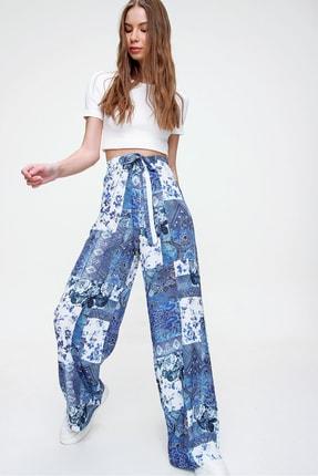 Trend Alaçatı Stili Kadın Mavi Desenli Rahat Kesim Pantolon ALC-X6016 3