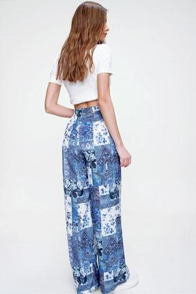 Trend Alaçatı Stili Kadın Mavi Desenli Rahat Kesim Pantolon ALC-X6016 4