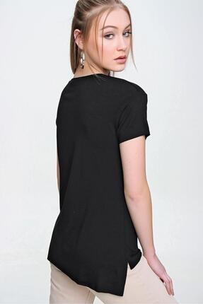 Şimal Kadın Cebi Pul Işlemeli V Yaka Oversize Tişört 4