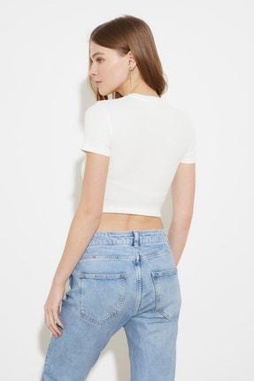 TRENDYOLMİLLA Beyaz Baskılı Crop Örme T-Shirt TWOSS21TS1281 4