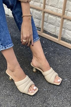 İnan Ayakkabı Pofuduk Bant Detaylı Terlik 0