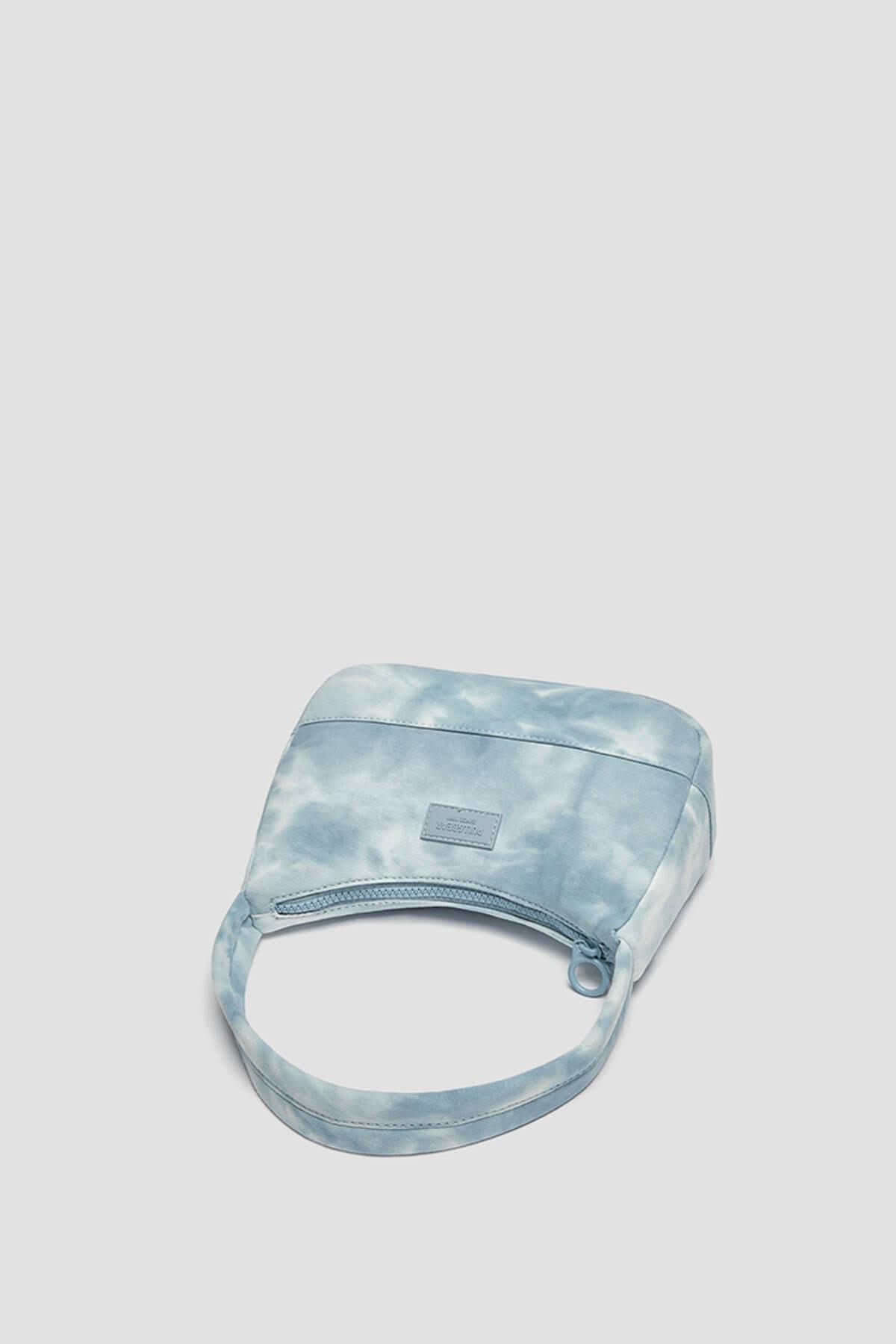 Pull & Bear Kadın Mavi Batik Desenli Kol Çantası 14155740 3