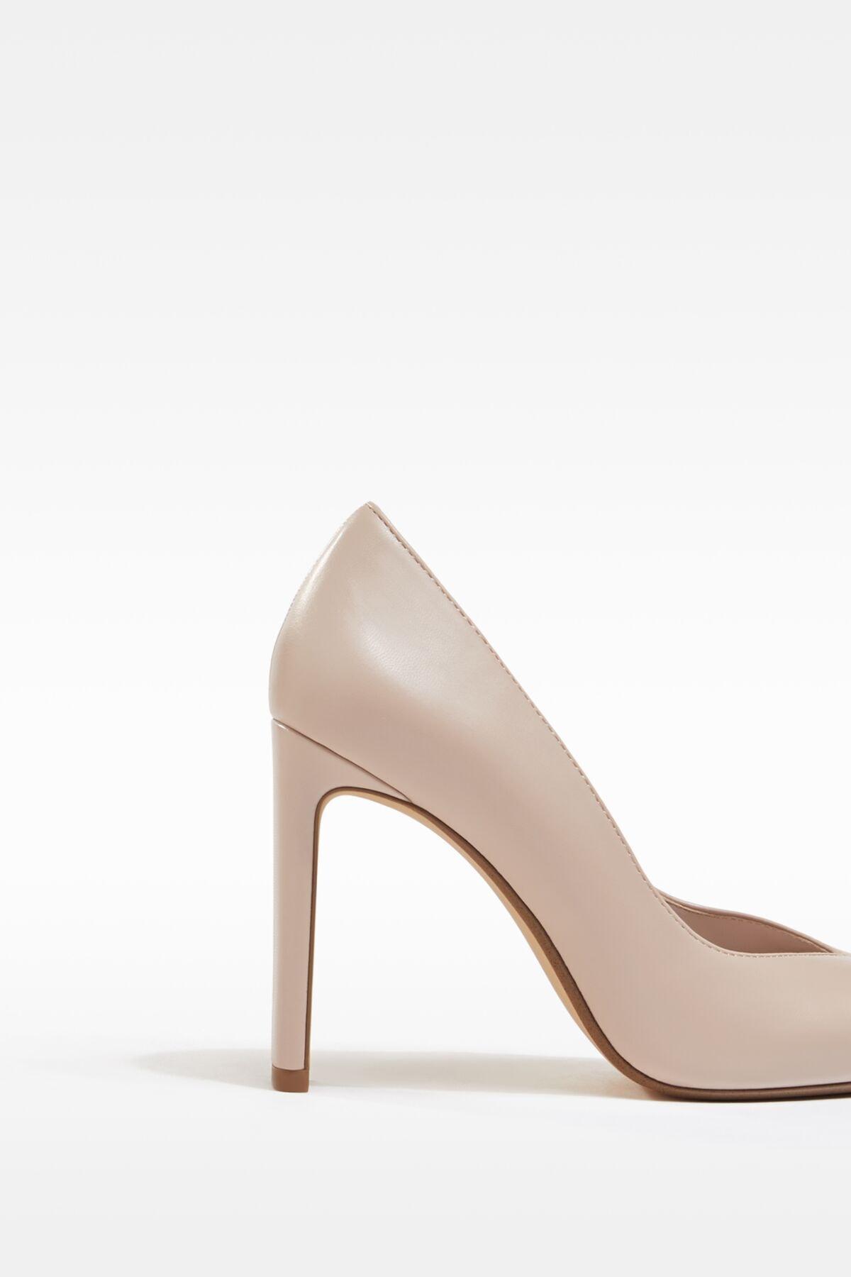 Bershka Kadın Bej V Kesim Topuklu Ayakkabı 11308760 3