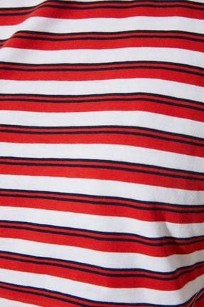 TRENDYOLMİLLA Kırmızı Çizgili Super Crop Örme T-Shirt TWOSS21TS1134 3