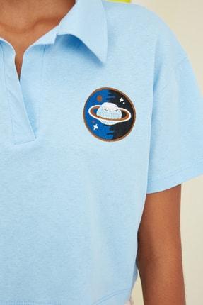 TRENDYOLMİLLA Mavi Crop Nakışlı Örme T-Shirt TWOSS21TS0727 2