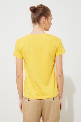 TRENDYOLMİLLA Sarı Baskılı Basic Örme T-Shirt TWOSS21TS1707 3