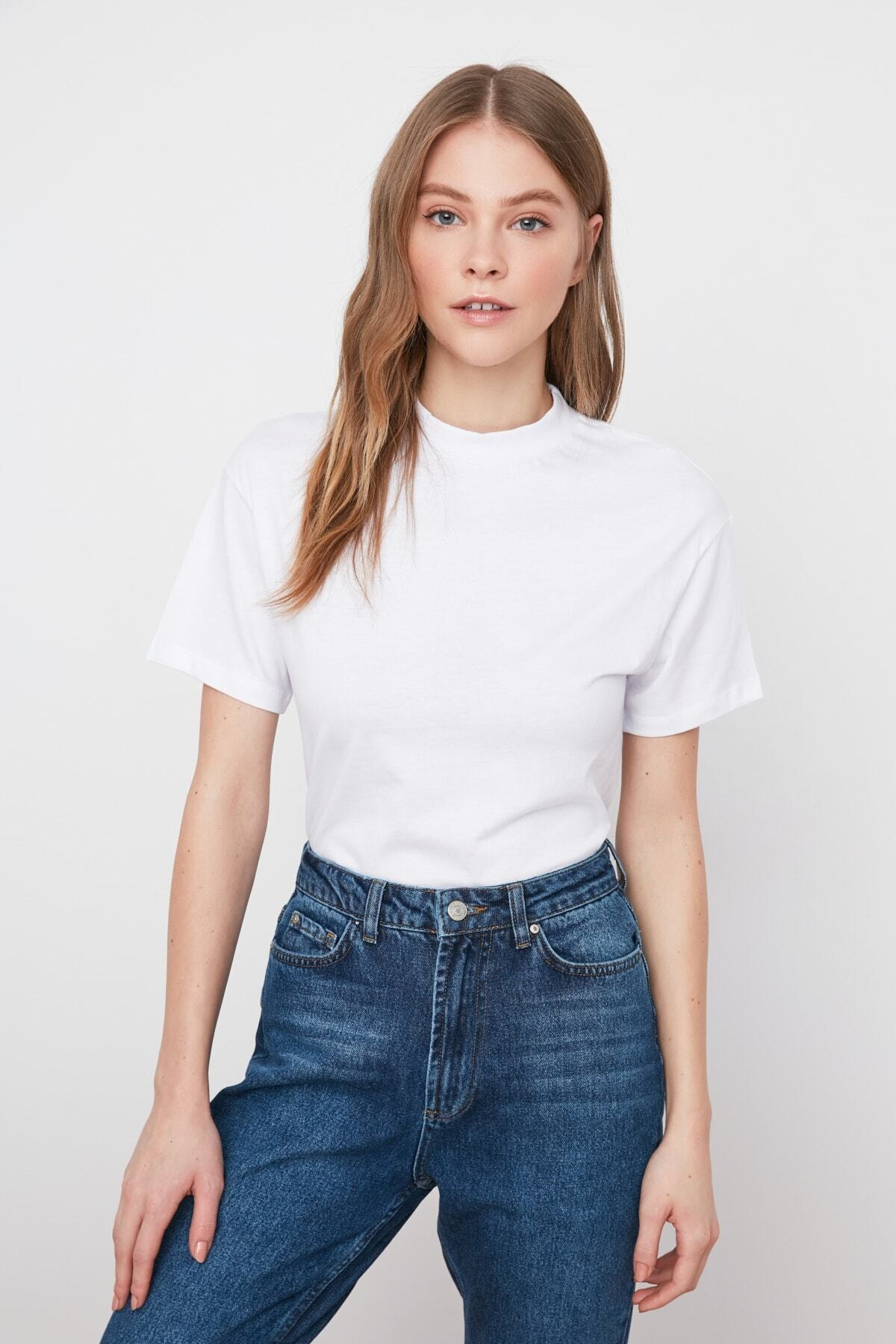 1 org zoom Beyaz Dik Yaka Basic Örme T-shirt TWOAW20TS0096