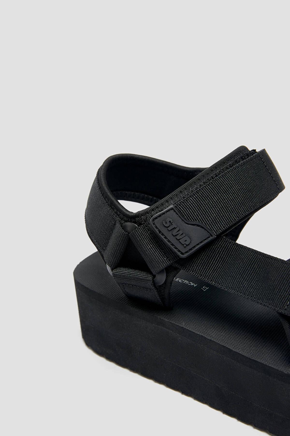 Pull & Bear Kadın  Siyah Tırtıklı Tabanlı Platform Sandalet 11703740 2
