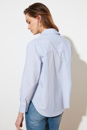 TRENDYOLMİLLA Açık Mavi Çizgili Boyfriend Gömlek TWOAW20GO0115 4