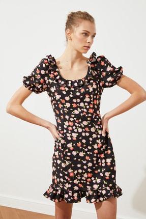 TRENDYOLMİLLA Siyah Yaka Detaylı Elbise TWOSS21EL2270 0
