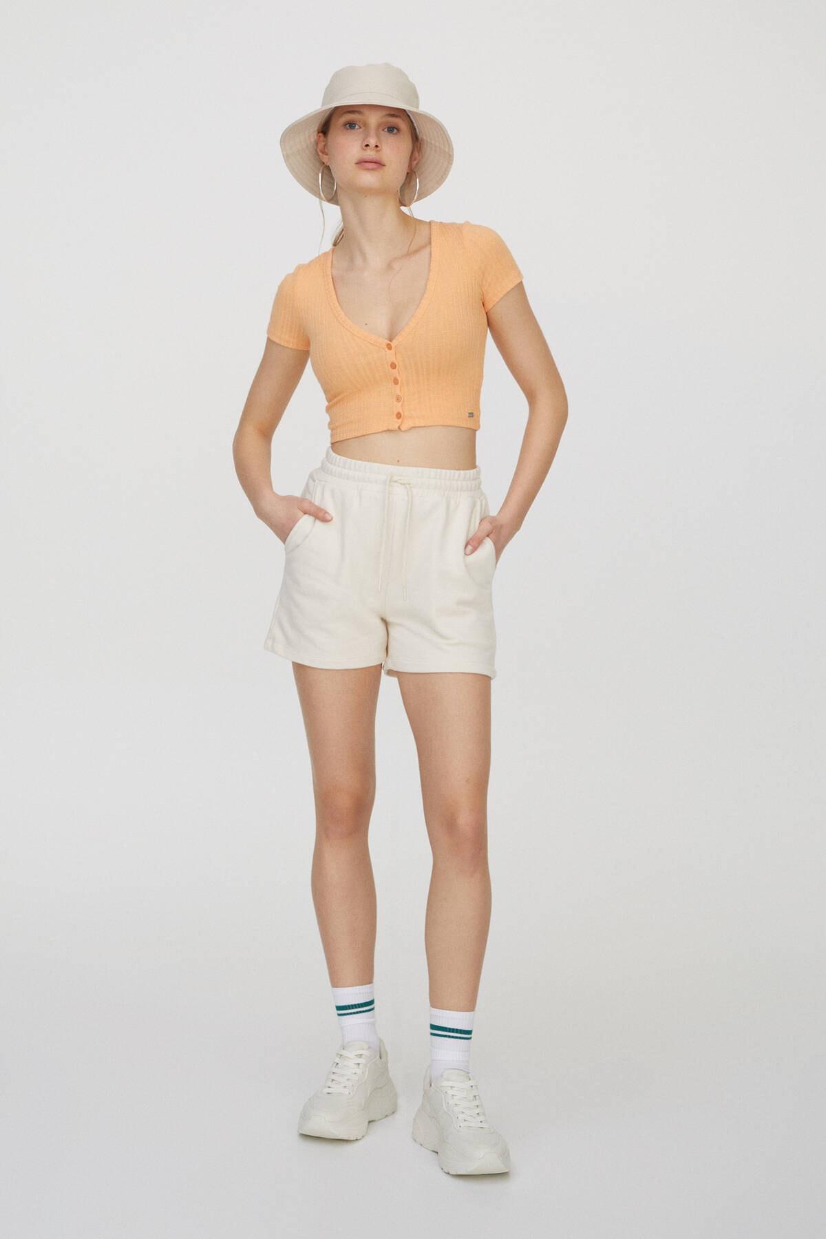 Pull & Bear Kadın Orta Turuncu Önü Dekoratif Düğmeli Fitilli T-Shirt 04240371 2