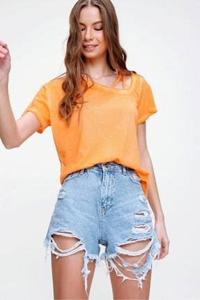 Trend Alaçatı Stili Kadın Turuncu Askı Detaylı Yıkamalı T-Shirt MDA-1124 1