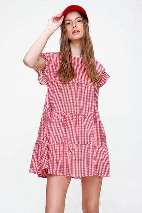 Trend Alaçatı Stili Kadın Kırmızı Pötikare Desenli Volanlı Dokuma Elbise ALC-X6008 2