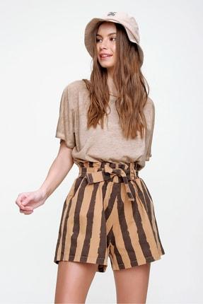 Trend Alaçatı Stili Kadın Karamel Beli Lastikli Çizgili Şort ALC-X6027 2