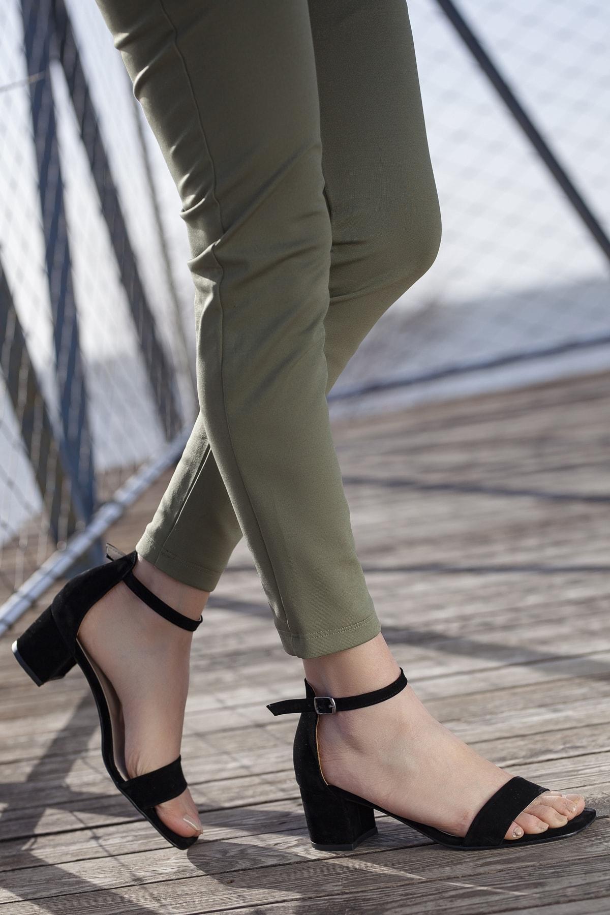 Kadın Siyah Klasik Topuklu Ayakkabı DXTRTKBNT0081