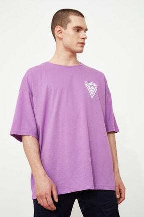 TRENDYOL MAN Mor Erkek Baskılı Oversize Kısa Kollu T-Shirt TMNSS20TS1102 1