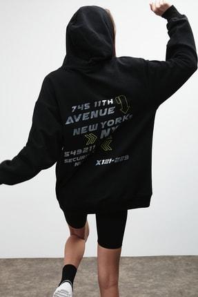 GRIMELANGE AMORA Kadın Siyah Önü ve Arkası Baskılı Kapüşonlu Sweatshirt 4