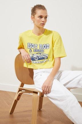 TRENDYOLMİLLA Sarı Baskılı Loose Crop Örme T-Shirt TWOSS21TS1937 2