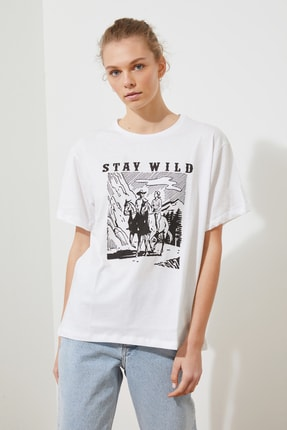 TRENDYOLMİLLA Beyaz Baskılı Boyfriend Örme T-Shirt TWOSS21TS2055 0