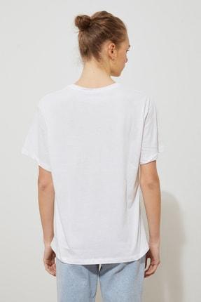 TRENDYOLMİLLA Beyaz Baskılı Boyfriend Örme T-Shirt TWOSS21TS2055 3