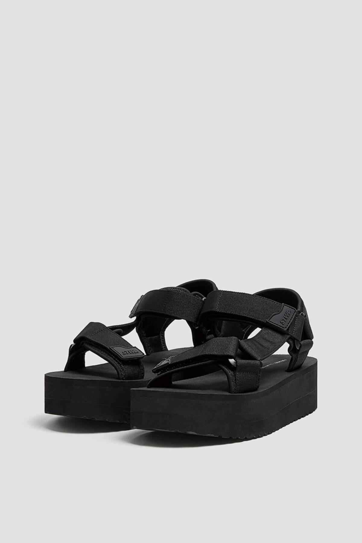 Pull & Bear Kadın  Siyah Tırtıklı Tabanlı Platform Sandalet 11703740 0