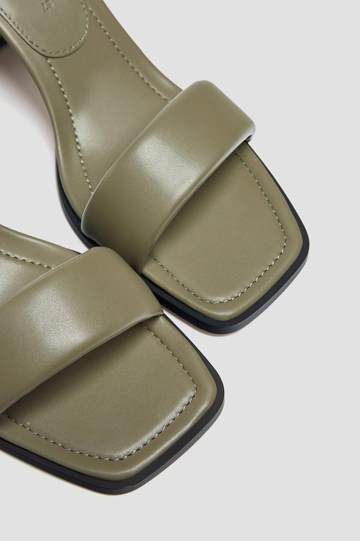 Pull & Bear Kadın Haki Dolgulu Bantlı Topuklu Sandalet 3