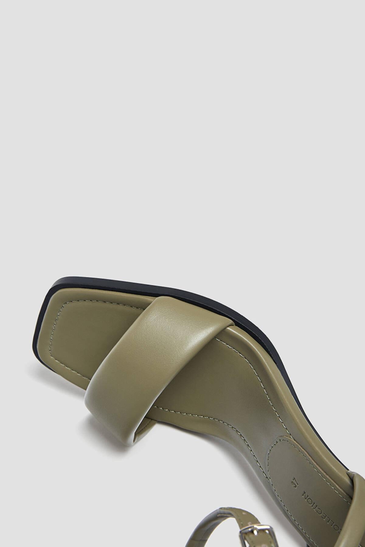 Pull & Bear Kadın Haki Dolgulu Bantlı Topuklu Sandalet 4