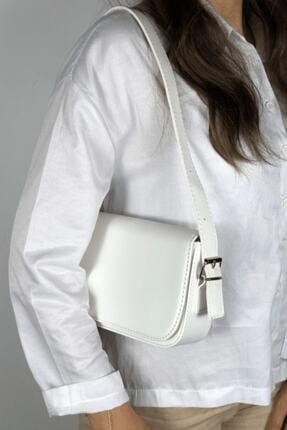 LinaConcept Kadın Beyaz Kapaklı Baget Çanta 1