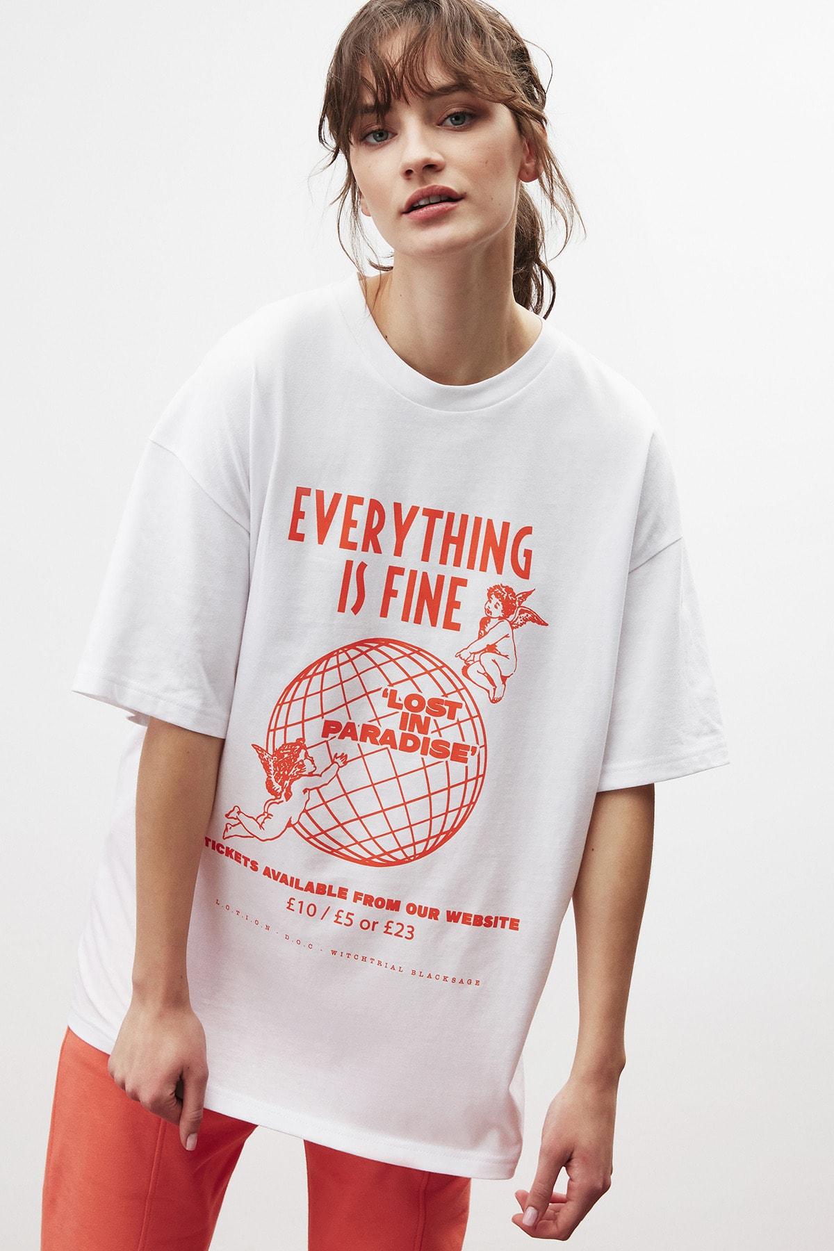 DREAM Kadın Beyaz Turuncu Baskılı Oversize T-shirt