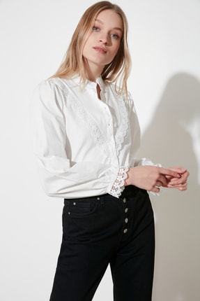 TRENDYOLMİLLA Beyaz İşlemeli Gömlek TWOAW21GO0077 1
