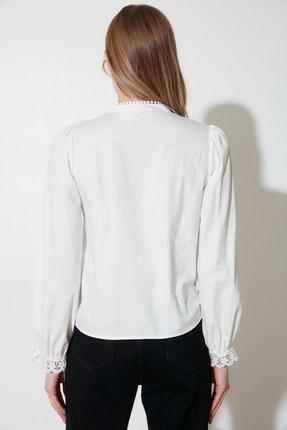 TRENDYOLMİLLA Beyaz İşlemeli Gömlek TWOAW21GO0077 3