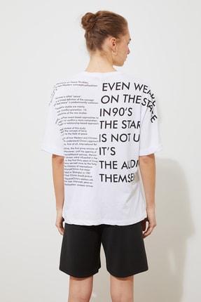 TRENDYOLMİLLA Beyaz Ön Ve Sırt Baskılı Boyfriend Örme T-Shirt TWOSS20TS1275 4