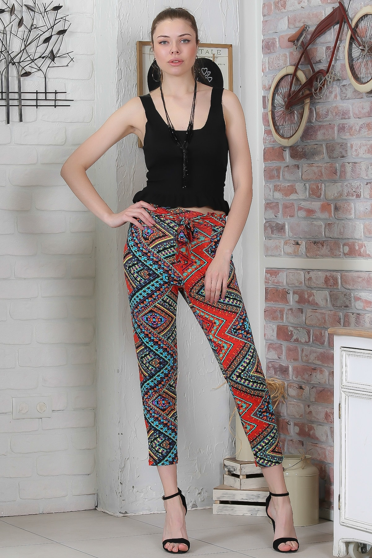 Chiccy Kadın Kırmızı-Siyah Kilim Desenli Bağlamalı Dar Paça Pantolon M10060000PN98923 0