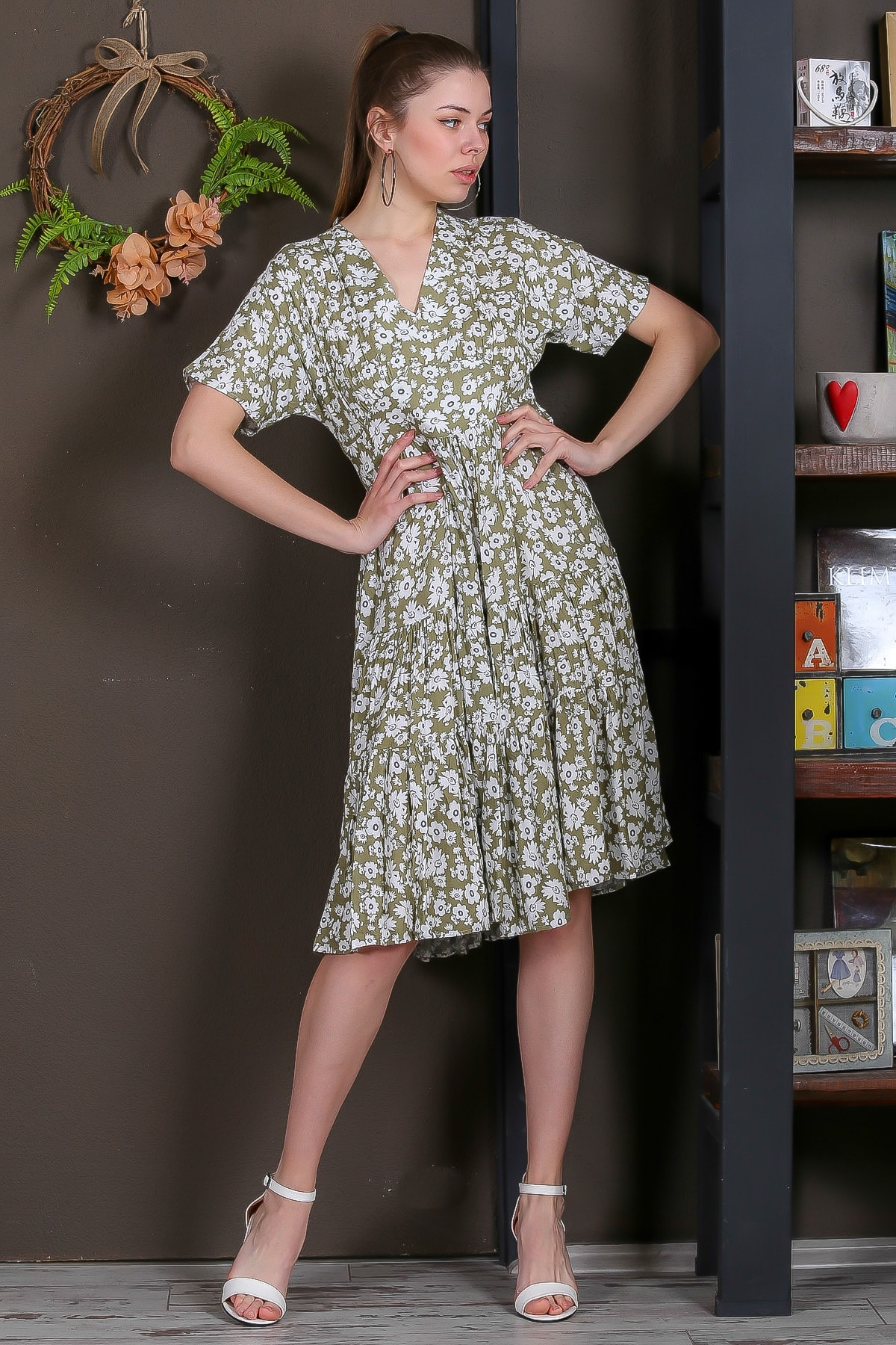 Chiccy Kadın Yeşil Düşük Kol V Yaka Fırfırlı Dokuma Midi Elbise M10160000EL95432 1