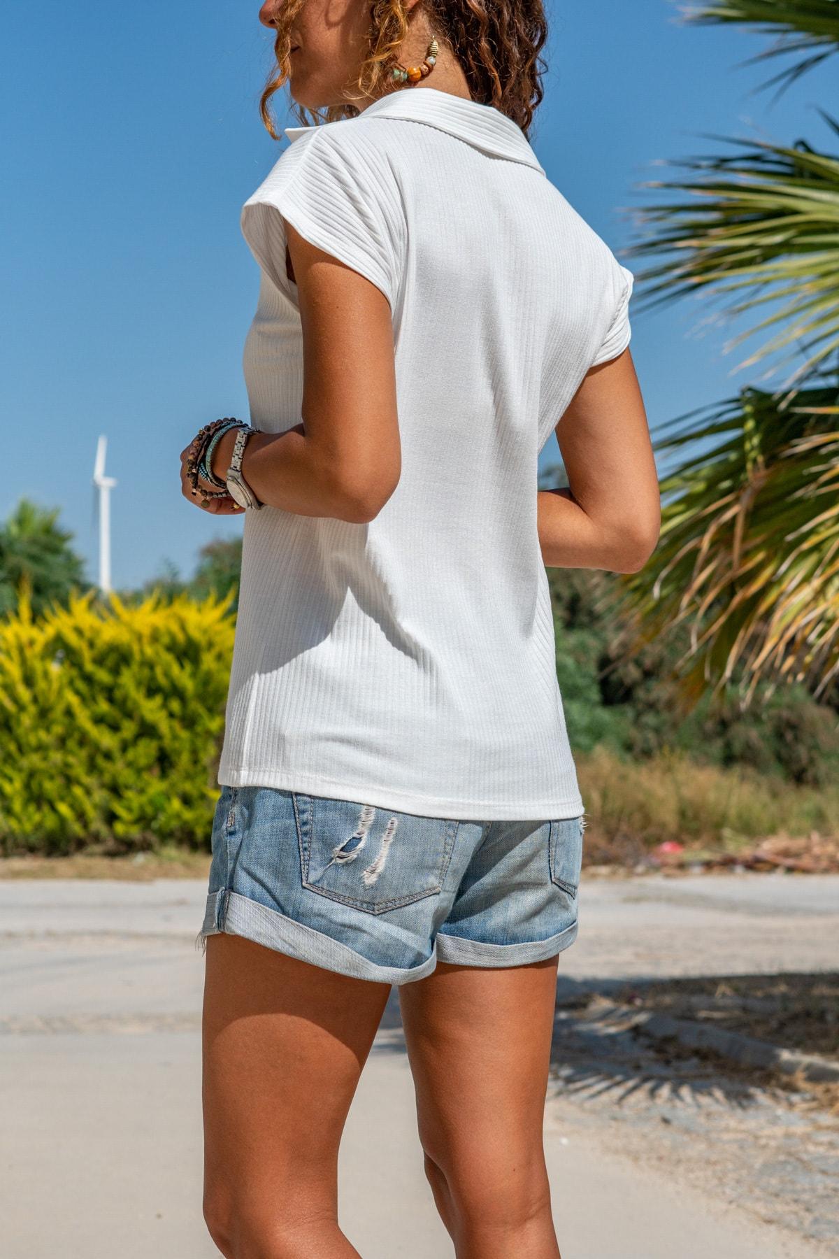 Güneşkızı Kadın Beyaz Polo Yaka Kaşkorse T-Shirt GK-BSTW2879 1