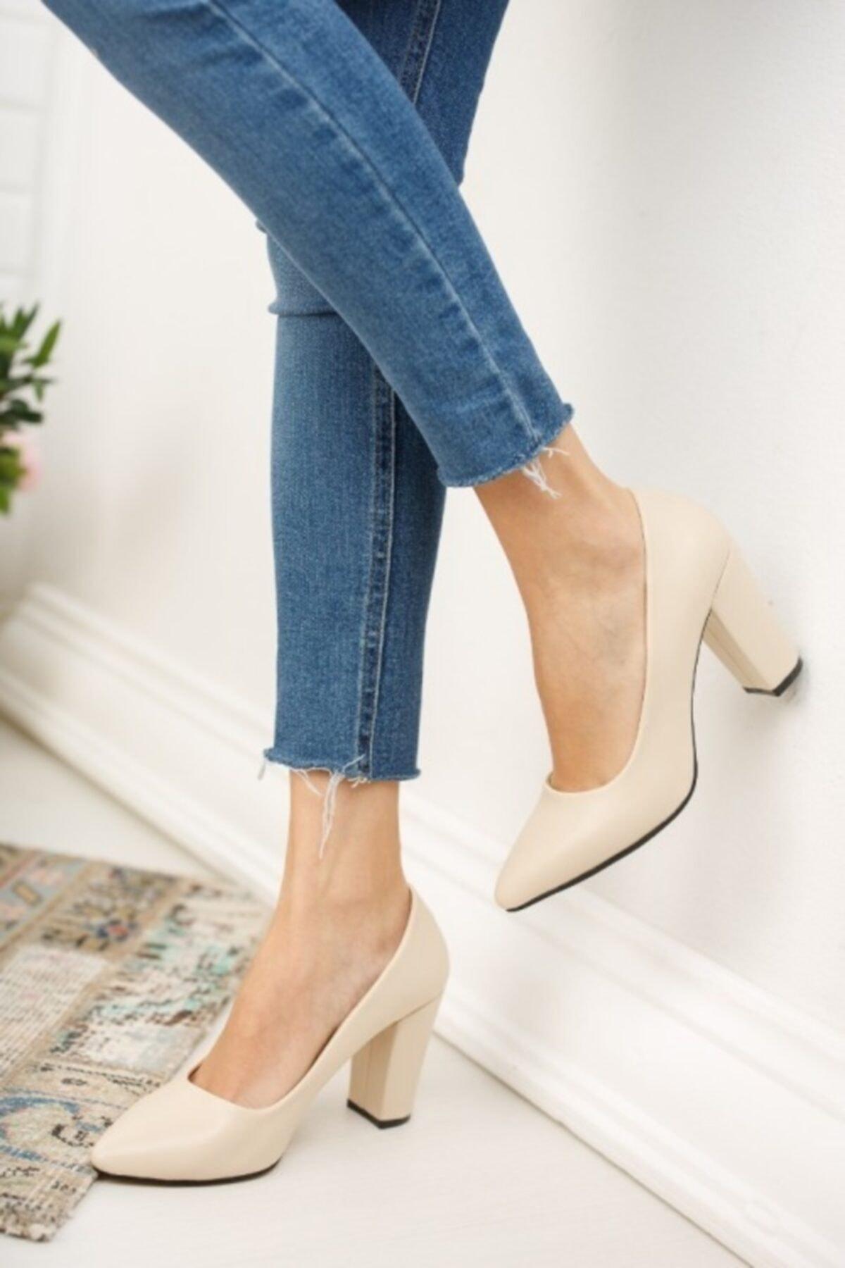 Kadın Ten Cilt Yüksek Kalın Topuklu Ayakkabı